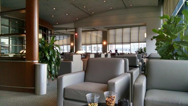 AA BOS Lounge 3